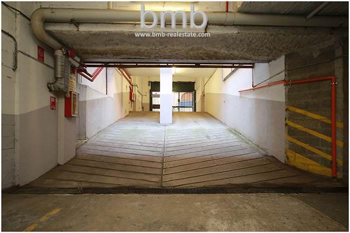 Foto 1 di Posto Auto Via Camillo Benso di Cavour 5, Torino
